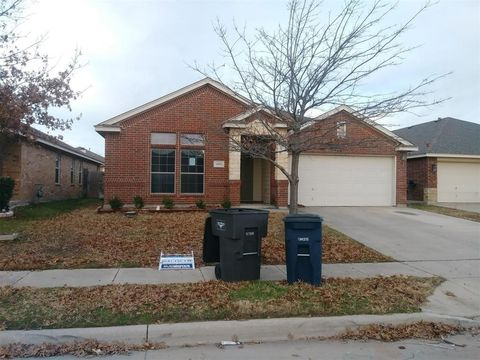 Photo of 6165 Tilapia Dr, Fort Worth, TX 76179