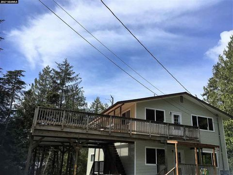 592 B Salmonberry Cir, Ketchikan, AK 99901
