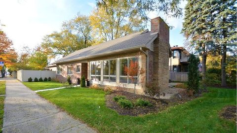 10256 S Bell Ave, Chicago, IL 60643