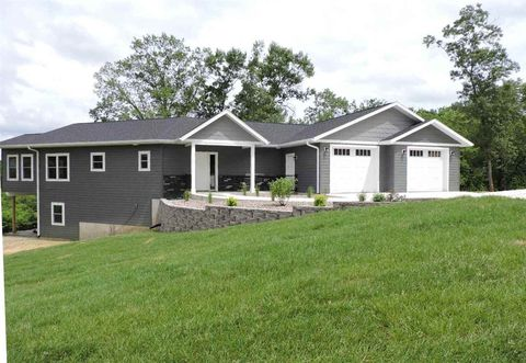 Photo of 1672 Howdy Hills Rd, Decorah, IA 52101
