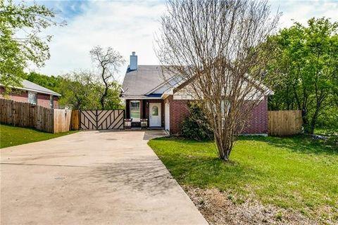 Photo of 1742 Avenue E, Grand Prairie, TX 75051