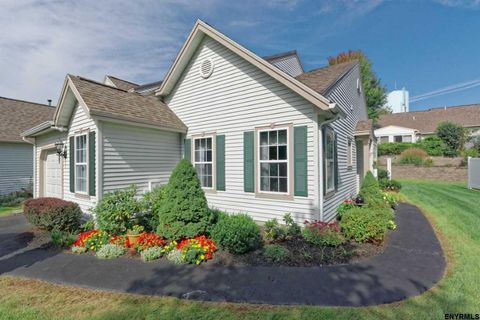 23 Highpointe Dr, Troy, NY 12182