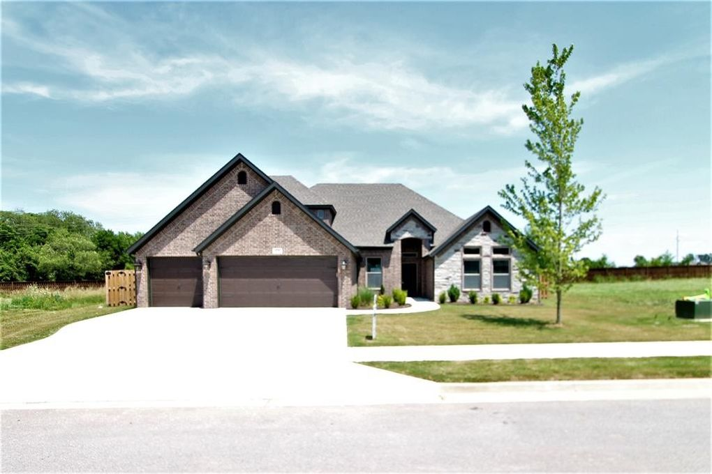 920 Clark Cir, Bentonville, AR 72712