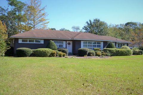 1064 Stanton Ave Waycross GA 31503
