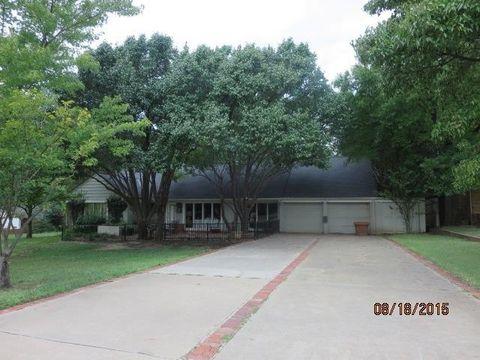 6404 N Hillcrest Ave, Nichols Hills, OK 73116