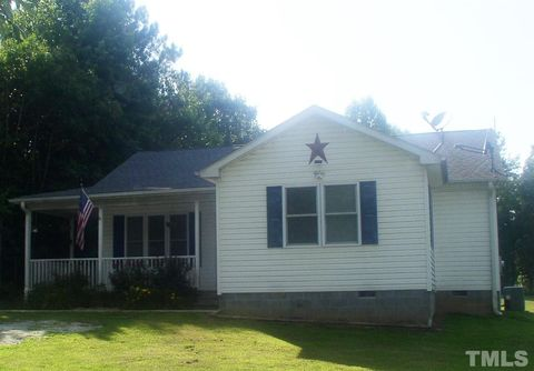1545 Lone Oak Rd, Chase City, VA 23924