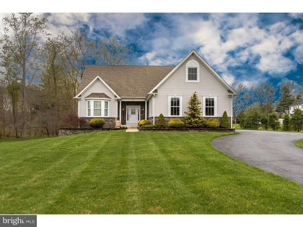 285 Sharp Rd, Marlton, NJ 08053 - realtor.com®