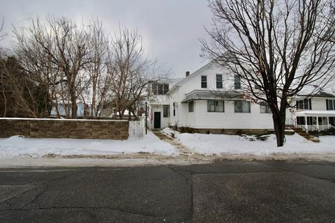 Photo of 198 Youville St, Manchester, NH 03102