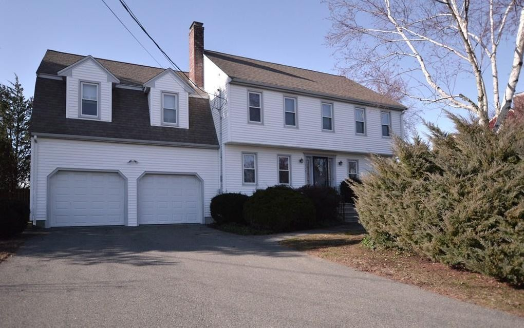113 Ledgeview Dr, Norwood, MA 02062