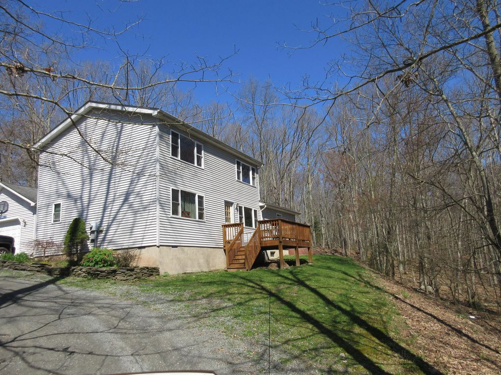 178 Chimney Ridge Rd, Hawley, PA 18428