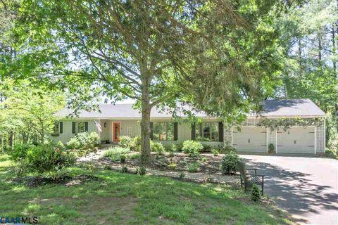 672 Simmons Gap Rd, Dyke, VA 22935