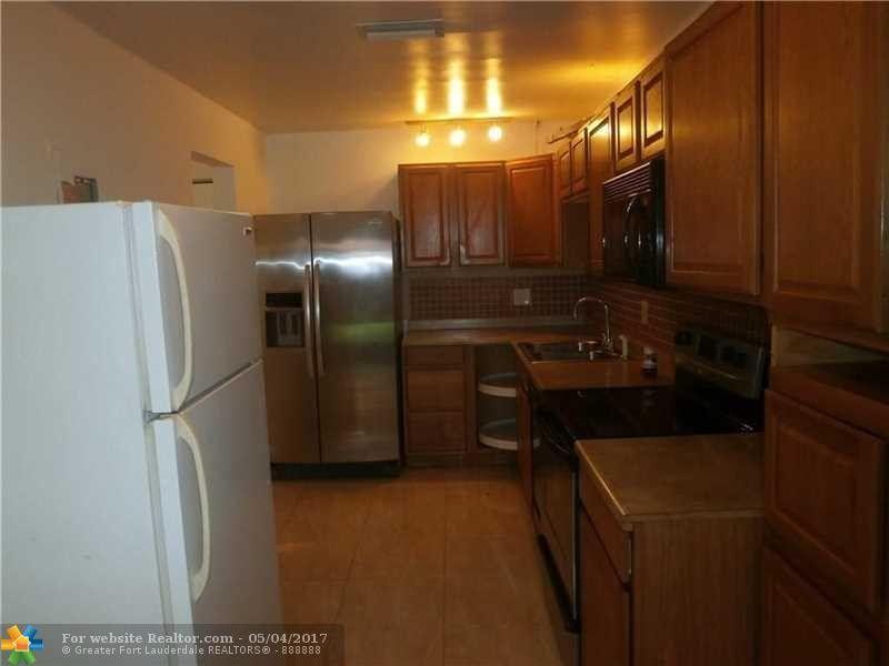 248 Nw 106th Ave, Pembroke Pines, FL 33026