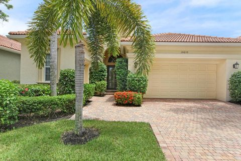 10630 Piazza Fontana, West Palm Beach, FL 33412