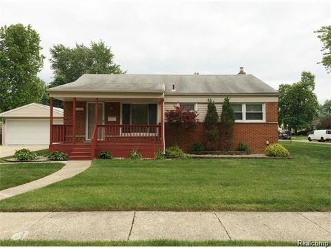 27763 Cambridge St, Garden City, MI 48135