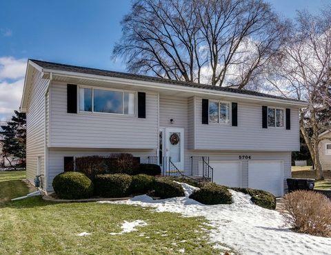 Photo of 5704 Greenview Rd, Oakwood Hills, IL 60013