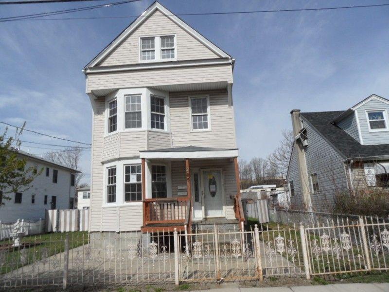 385 Stephens St, Belleville, NJ 07109