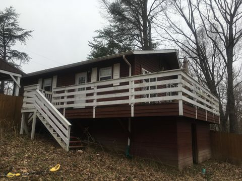 Photo of 414 Holly Cave Dr, Mammoth Cave, KY 42259