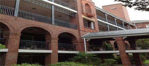 Photo of 222 E 37th St, Savannah, GA 31401