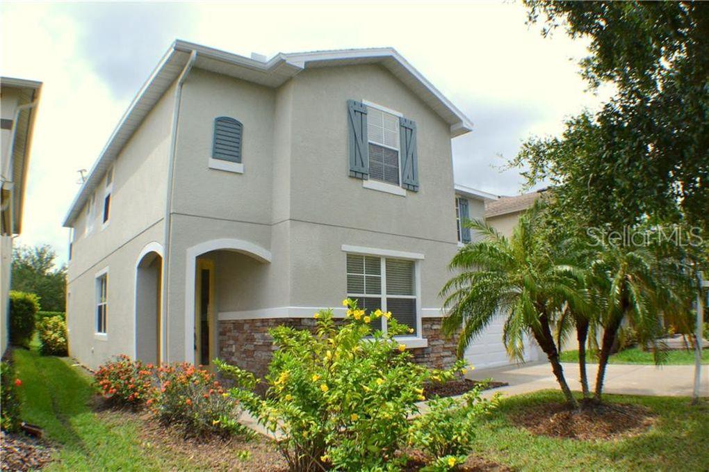 2911 Winglewood Cir, Lutz, FL 33558