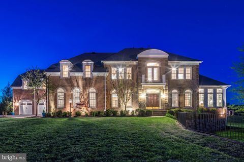 Photo of 12515 Sycamore View Dr, Potomac, MD 20854