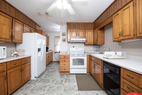 Photo of 1163 Farm Road 2118, Bagwell, TX 75412