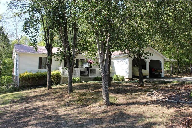 243 Town Creek Dr Ne Calhoun GA 30701