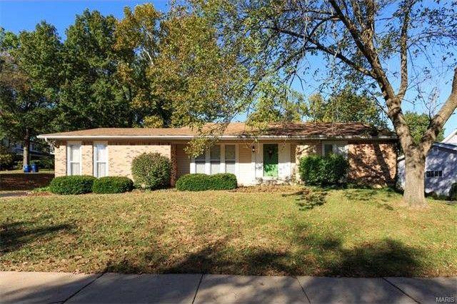 607 Garden Leaf Ct Ballwin Mo 63011 Home For Sale