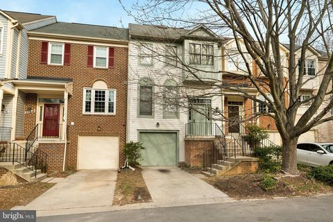 Photo of 20420 Davencroft Ct, Gaithersburg, MD 20886