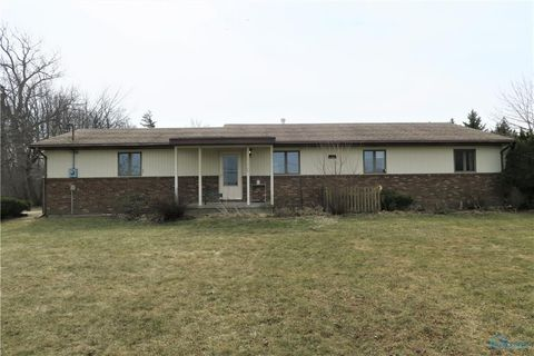 Photo of 5193 Libbey Rd, Perrysburg, OH 43551