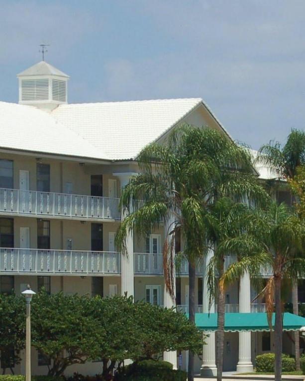 3520 Whitehall Dr Unit 11-104 West Palm Beach, FL 33401