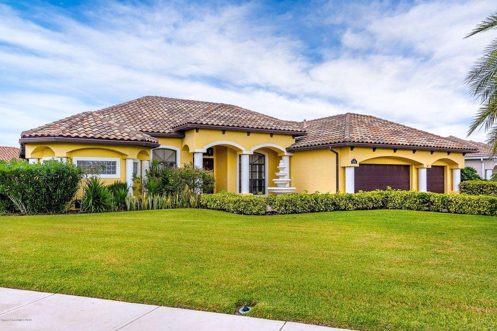 3251 Thurloe Dr, Rockledge, FL 32955