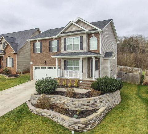1739 Point Wood Dr, Knoxville, TN 37920