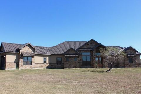 Photo of 418 S County Road 1092, Riviera, TX 78379