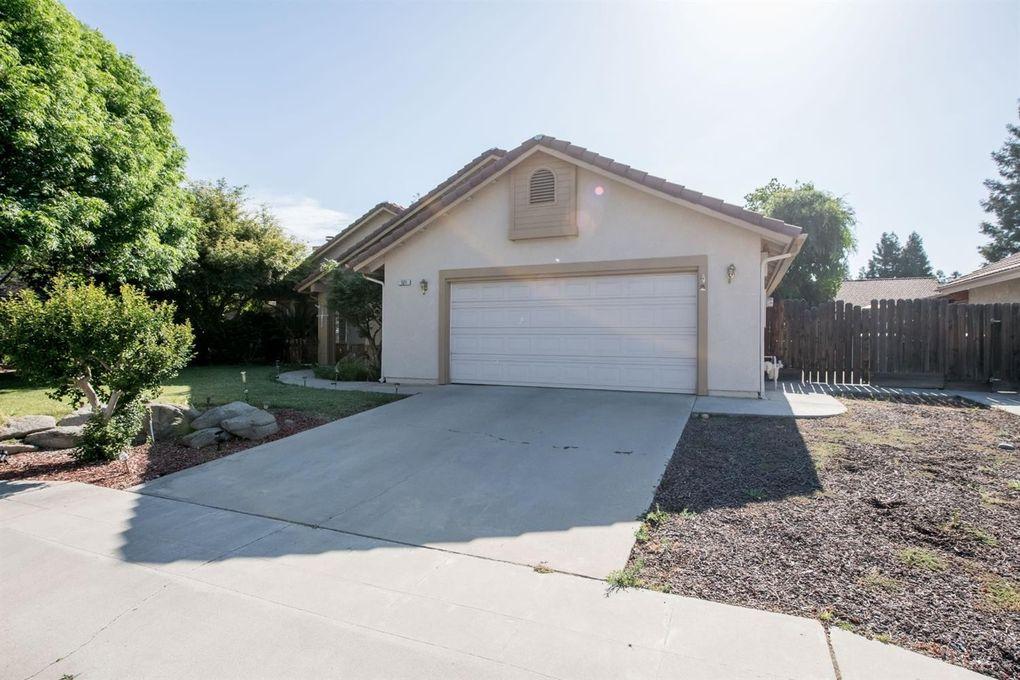 121 Magnolia Ave, Clovis, CA 93611