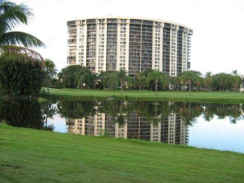 2450 Presidential Way Apt 1206, West Palm Beach, FL 33401