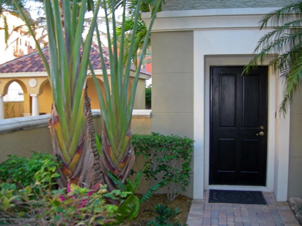 678 Fern St, West Palm Beach, FL 33401 - Home for Rent - realtor.com®