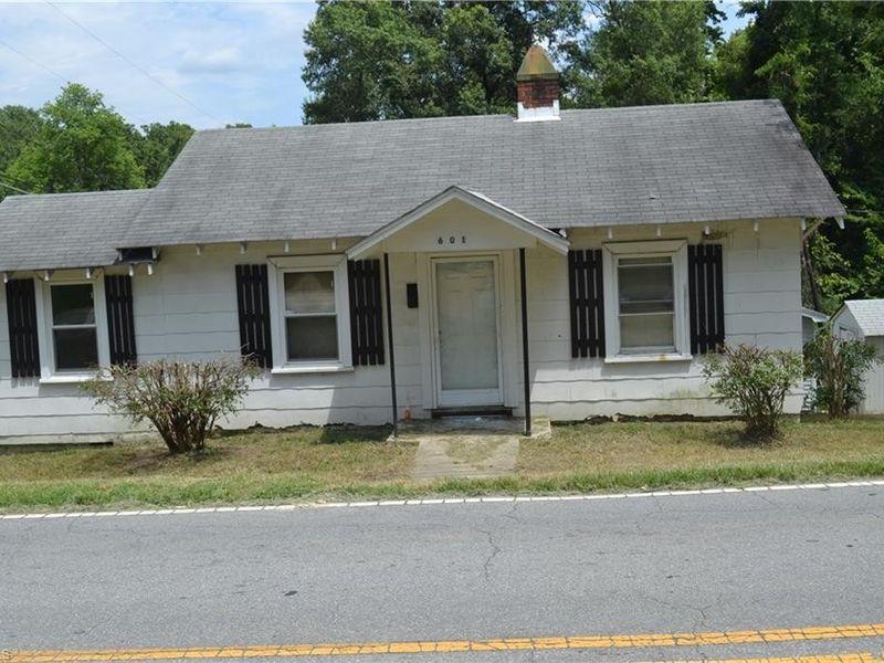 601 lowdermilk st greensboro nc 27401 home for sale