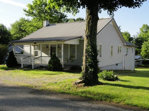 319 Walthall Ave, Horse Cave, KY 42749