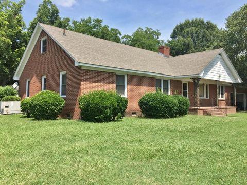 3738 S S Walnut St, Farmville, NC 27828