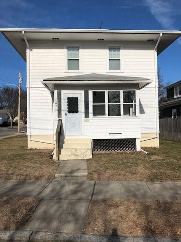 107 Whitford Ave, Providence, RI 02908