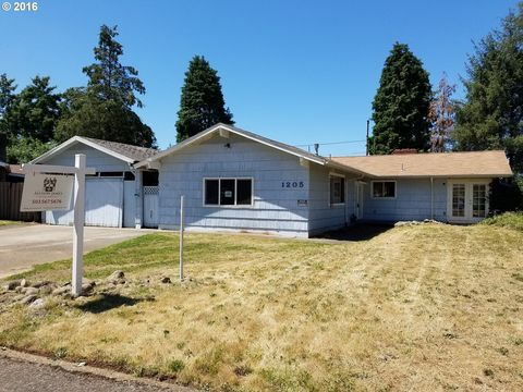1205 Ne 131st Pl, Portland, OR 97230