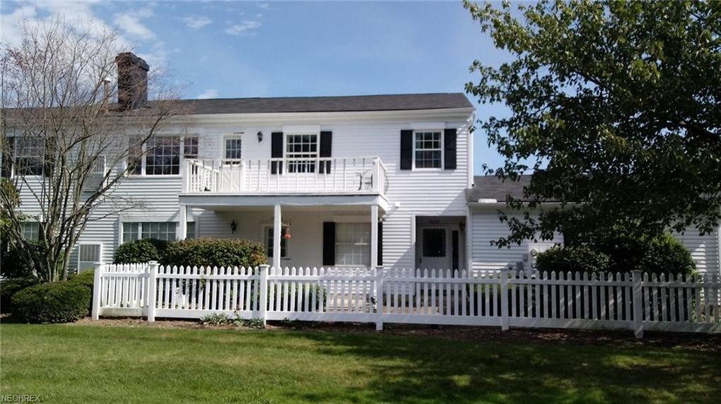 17677 Eastbrook Trl, Chagrin Falls, OH 44023