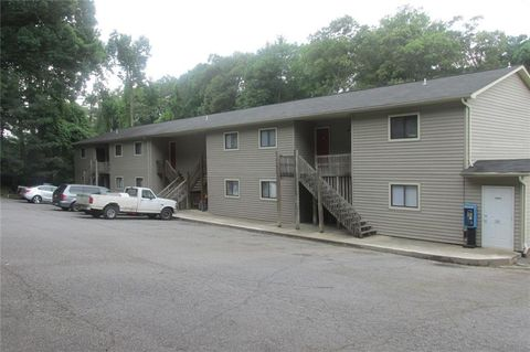 Photo of 1220 8th St Ne, Hickory, NC 28601
