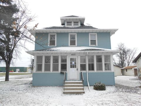 425 5th St S, Wahpeton, ND 58075