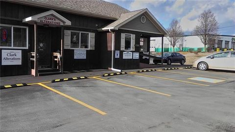 Photo of 2309 Wilmington Rd Unit 3, Neshannock, PA 16105