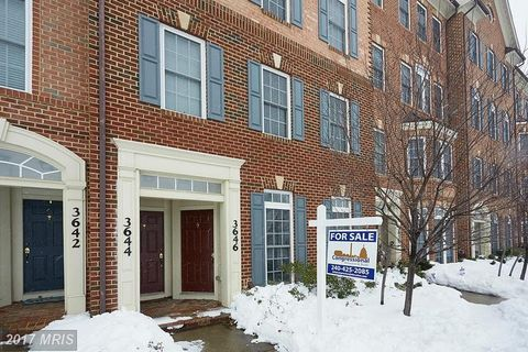 3646 Carriage Hill Dr, Frederick, MD 21704