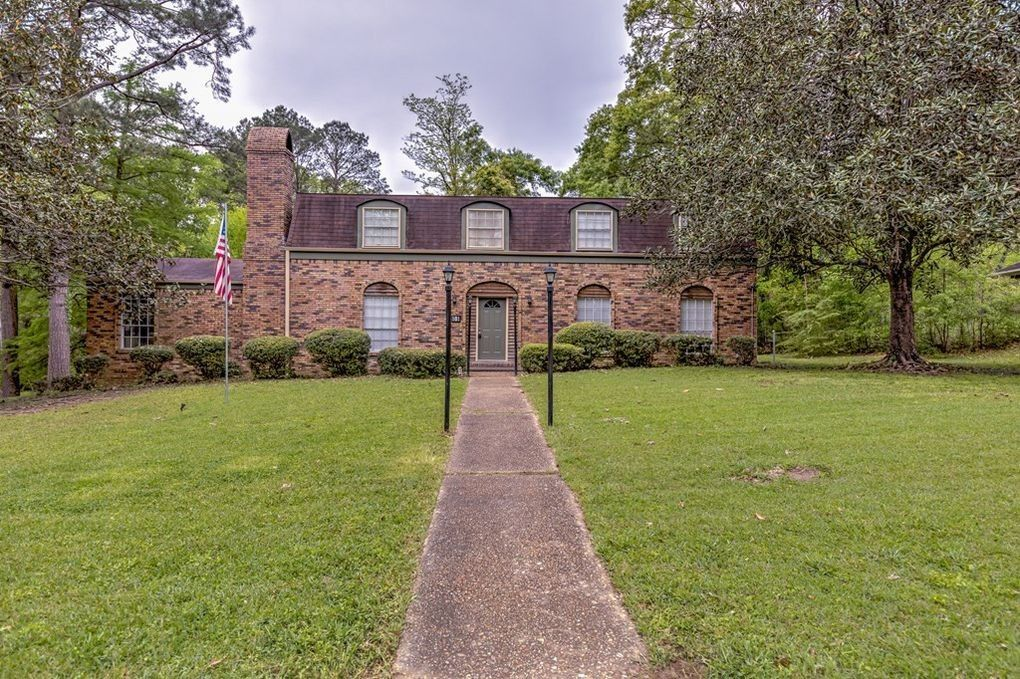 101 Cottonwood Pl, Vicksburg, MS 39180