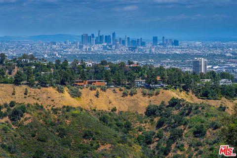 Photo of 1690 Summitridge Dr, Beverly Hills, CA 90210