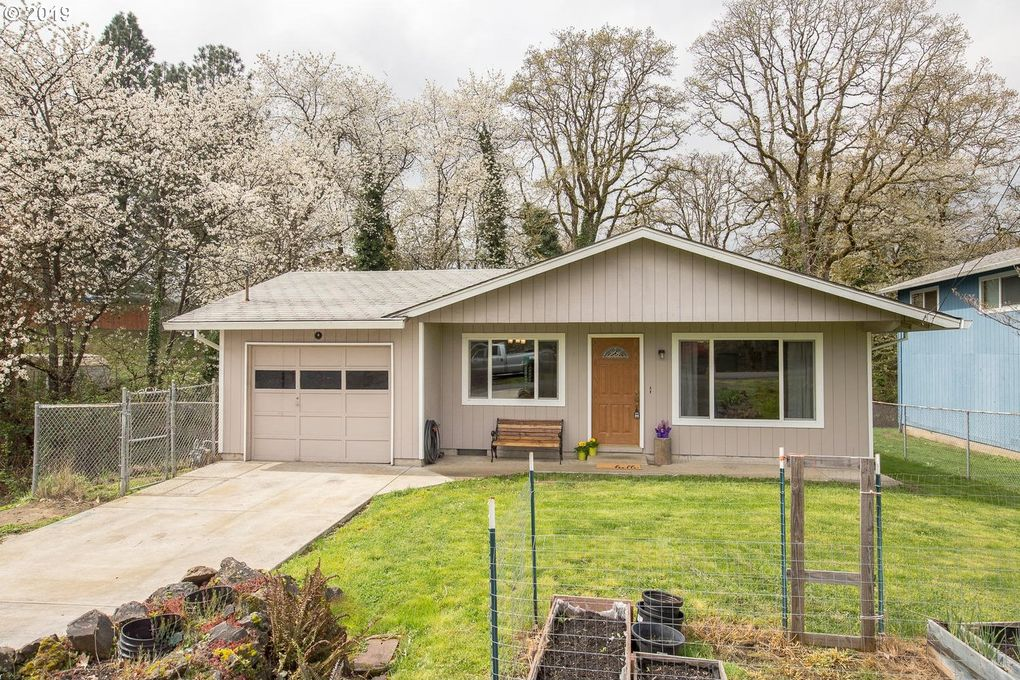 415 S 12th St, Saint Helens, OR 97051