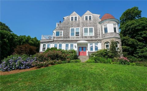 Photo of 1 Seaview Ave Apt 3, Newport, RI 02840
